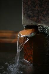 四万温泉の湯口